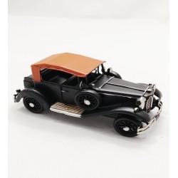Klasik Siyah Metal Araba